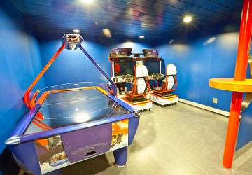 tallink_silja_baltic_queen_video_games_room